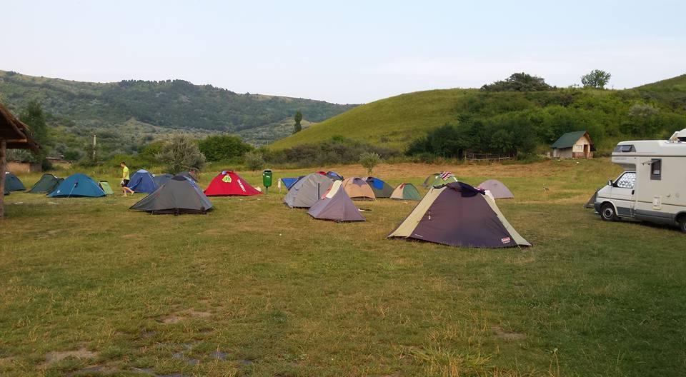 Camping Muddy Land Vulcanii Noroiosi Locatii De Campare Cu Rulota